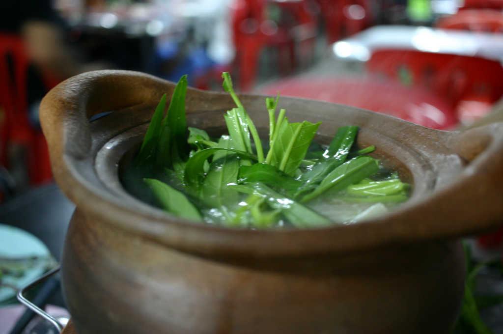 イサーン料理チムチュム鍋
