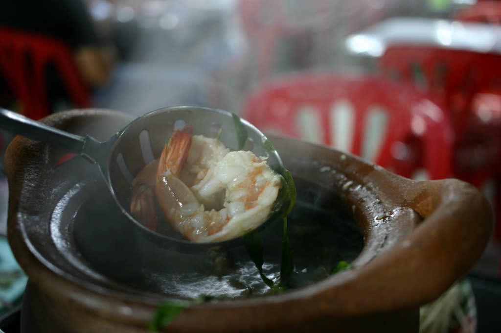 バンコクで食べたイサーン料理チムチュム鍋