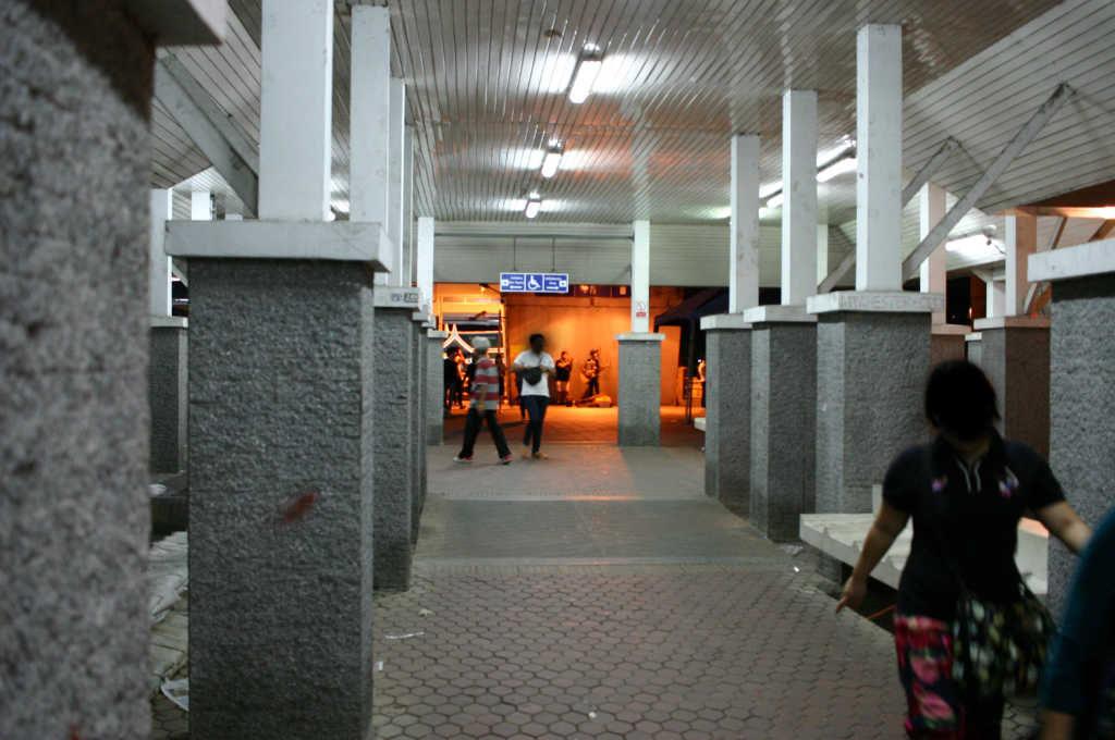 バンコクBTSのサパーンタクシン駅
