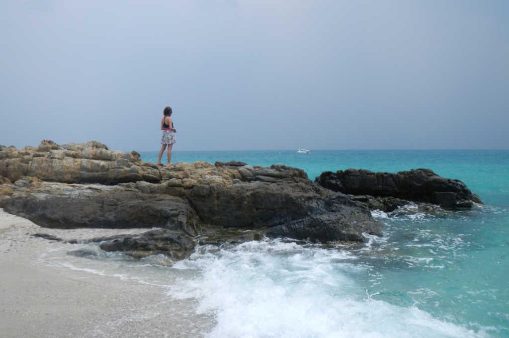 エメラルドの海が綺麗なタイの無人島