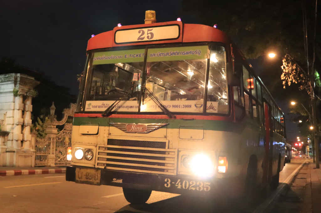 バンコクのバス