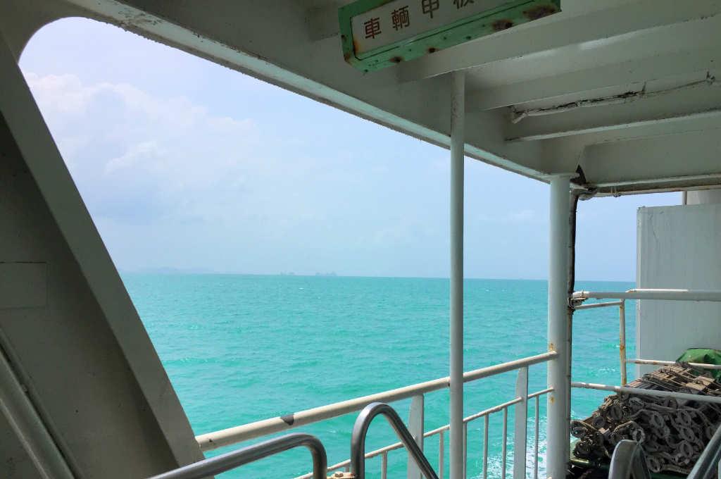タイのパンガン島へ行くフェリー