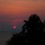 パタヤの海に沈む夕日
