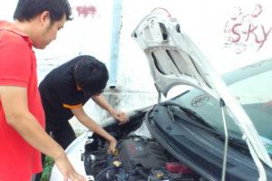 タイで車の修理