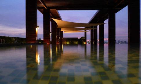バンコクのコンドミニアムのプール