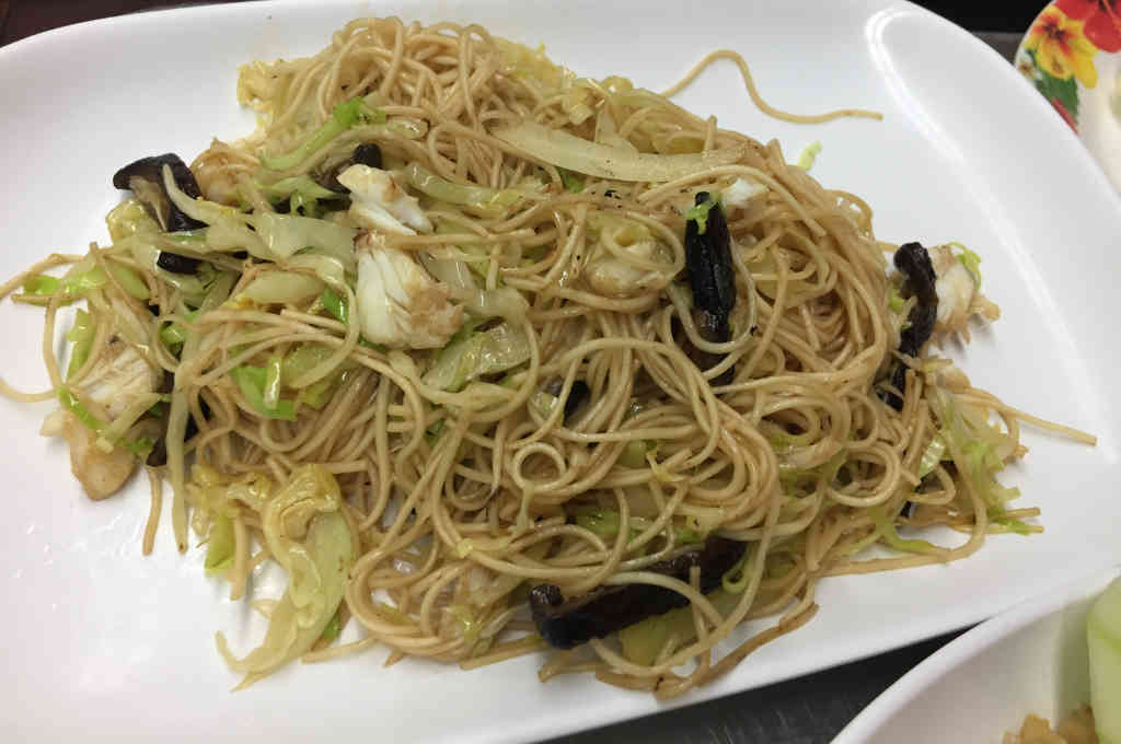 盛鱼翅の香港炒麺