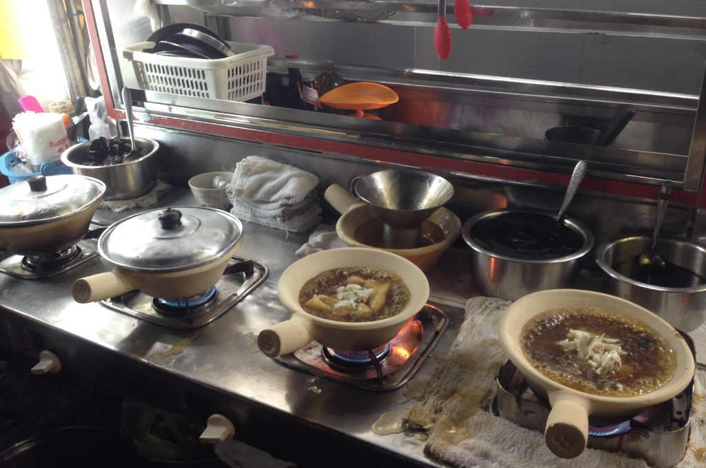 盛鱼翅の厨房