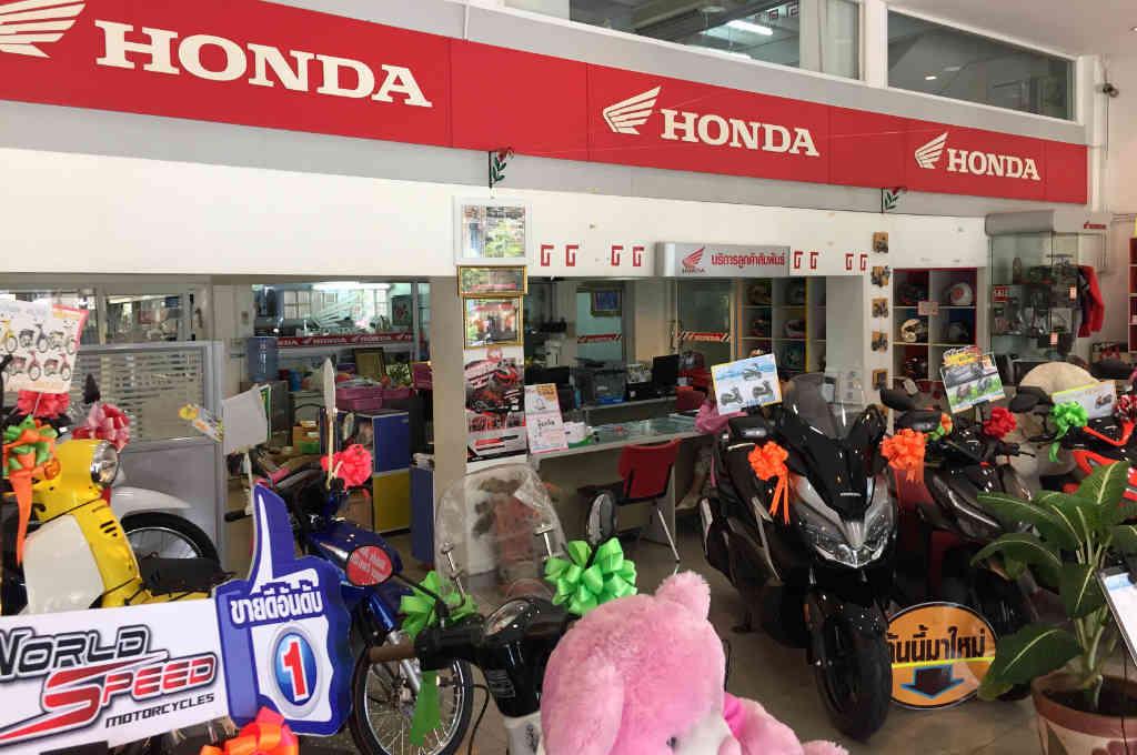 バンコクのバイク店