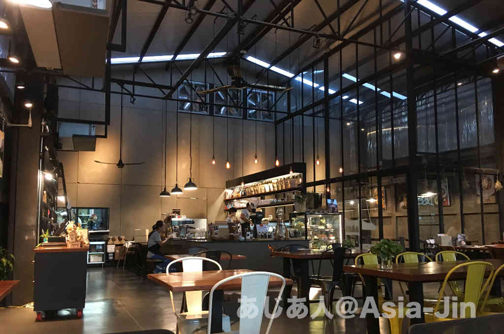 ウドンタニーにオープンしたおしゃれなカフェ「DOSE」