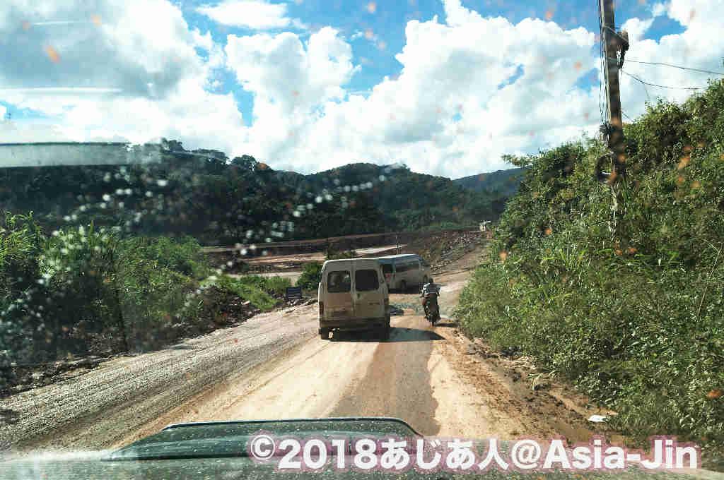 ラオスでドライブする・ルアンナムターからボーテン国境まで