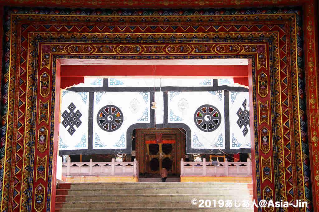 康定のチベット寺院